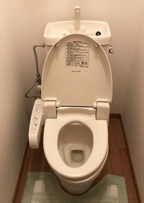 H様トイレ・施工前